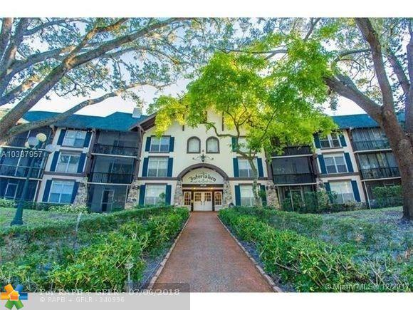 3720 Inverrary Dr 2Y, Lauderhill, FL 33319 (MLS #F10130620) :: Green Realty Properties
