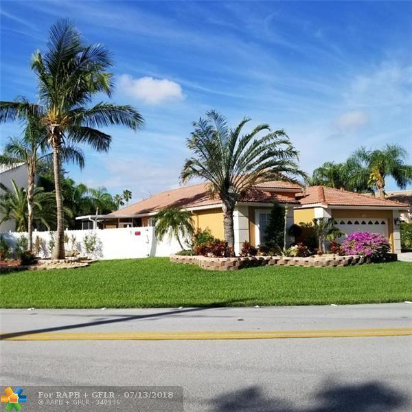 491 NW 45 AVE, Deerfield Beach, FL 33442 (MLS #F10131697) :: The Dixon Group
