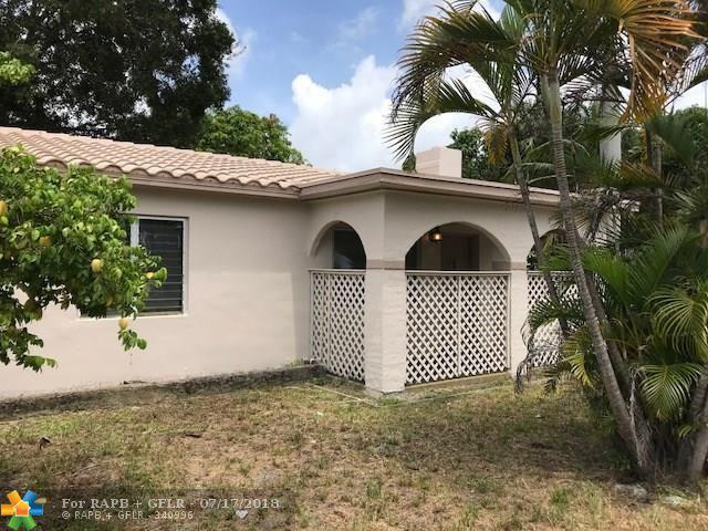 1305 NW 2nd Ave, Fort Lauderdale, FL 33311 (MLS #F10132367) :: Laurie Finkelstein Reader Team