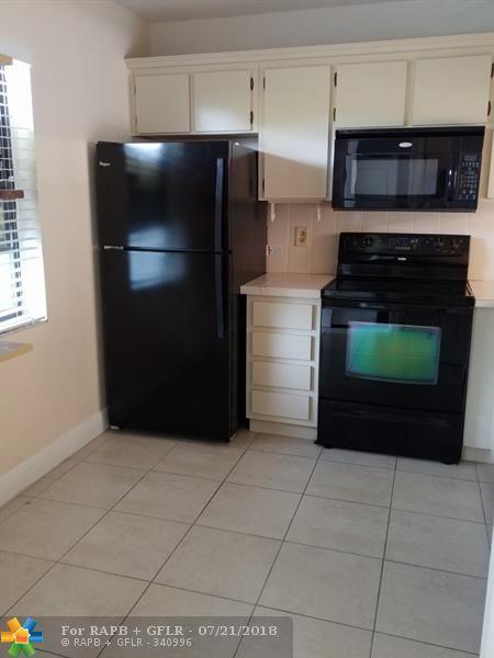 10451 W Broward Blvd #309, Plantation, FL 33324 (MLS #F10132852) :: Green Realty Properties