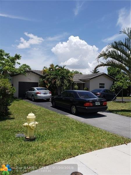 7811 NW 40th St, Coral Springs, FL 33065 (MLS #F10132962) :: Green Realty Properties