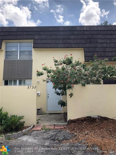 3732 SW 60th Ter #22, Davie, FL 33314 (MLS #F10133210) :: Green Realty Properties