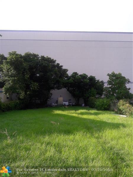 319 NW 35th St, Miami, FL 33127 (MLS #F10133645) :: Green Realty Properties
