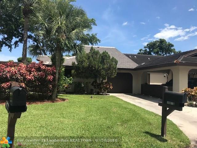 10070 Laurelwood Pl #10070, Boynton Beach, FL 33437 (MLS #F10134082) :: Green Realty Properties