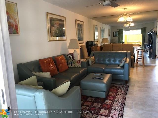 300 NE 26th Ave #2050, Boynton Beach, FL 33435 (MLS #F10135251) :: Green Realty Properties