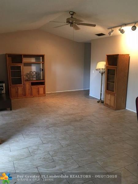9667 NW 15th Ct #3, Pembroke Pines, FL 33024 (MLS #F10135514) :: Green Realty Properties