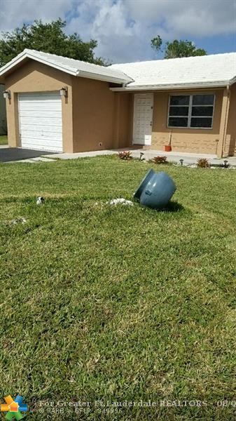 9411 NW 73rd St, Tamarac, FL 33321 (MLS #F10135575) :: Green Realty Properties