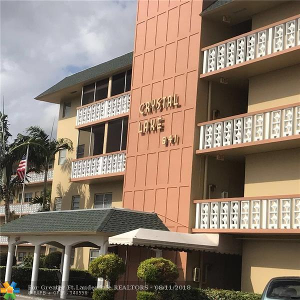 941 Crystal Lake Dr #407, Pompano Beach, FL 33064 (MLS #F10136170) :: Green Realty Properties