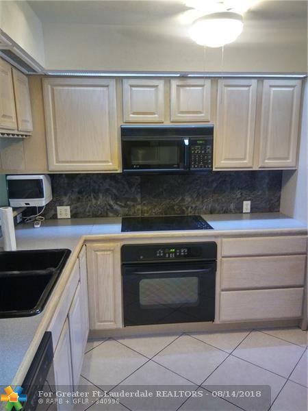 3145 NE 48th Ct #216, Lighthouse Point, FL 33064 (MLS #F10136554) :: Green Realty Properties