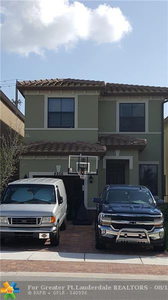 4806 NW 56th Ct, Tamarac, FL 33319 (MLS #F10137000) :: Green Realty Properties