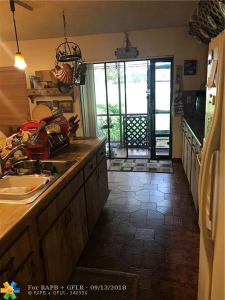 1151 W Fairway Rd #1151, Pembroke Pines, FL 33026 (MLS #F10140963) :: Green Realty Properties