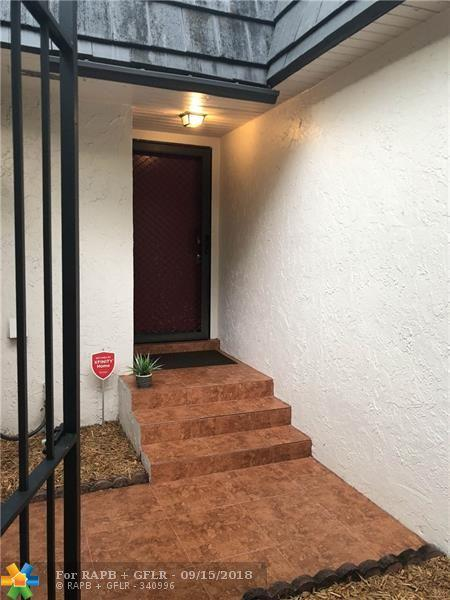 470 NW 70th Ave #406, Plantation, FL 33317 (MLS #F10141189) :: Green Realty Properties