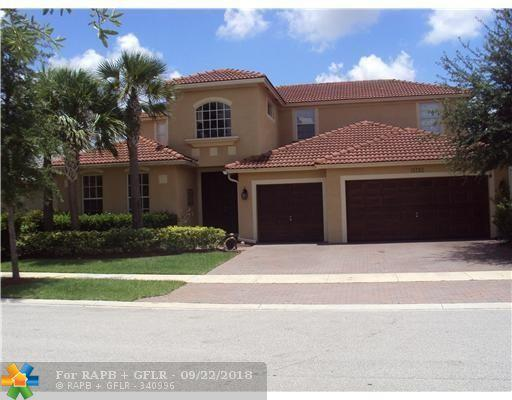 19232 N Gardenia Ave, Weston, FL 33332 (MLS #F10142194) :: The O'Flaherty Team
