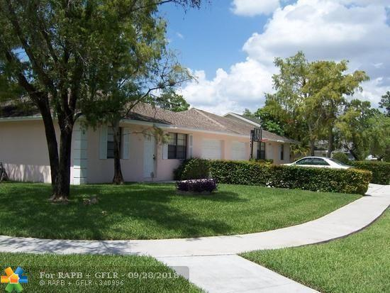 1130 Hyacinth Place, Wellington, FL 33414 (MLS #F10143008) :: Green Realty Properties