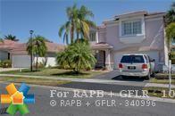 60 Gables Blvd, Weston, FL 33326 (MLS #F10143060) :: Green Realty Properties