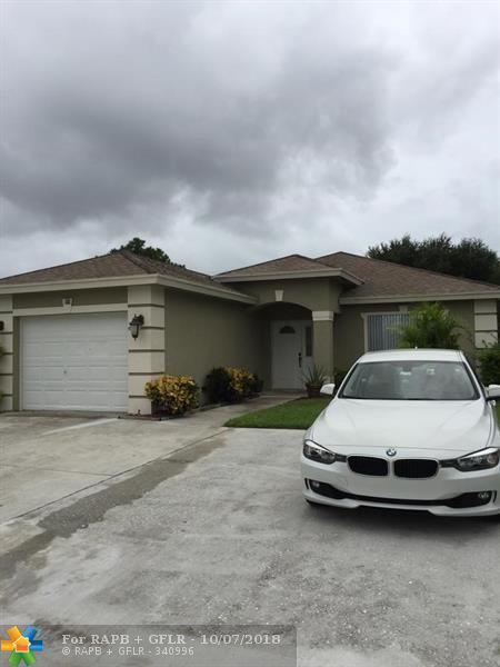 224 Walker Ave, Green Acres, FL 33463 (MLS #F10144306) :: Green Realty Properties