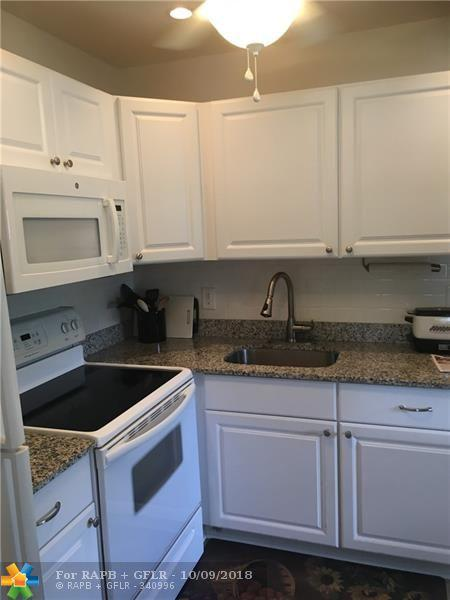 138 Waterford F #138, Delray Beach, FL 33446 (MLS #F10144693) :: Green Realty Properties