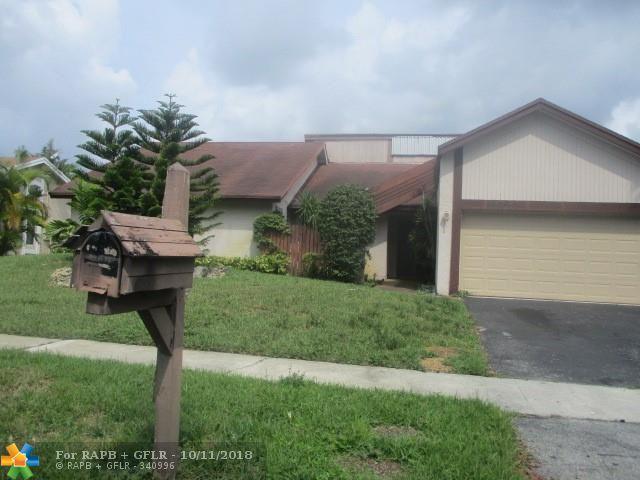 6801 NW 45th St, Lauderhill, FL 33319 (MLS #F10145147) :: Green Realty Properties