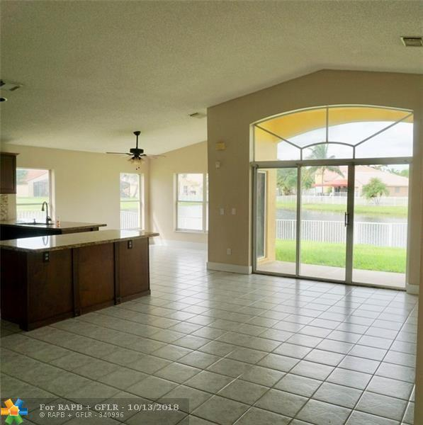 19353 SW 5th St, Pembroke Pines, FL 33029 (MLS #F10145420) :: Green Realty Properties