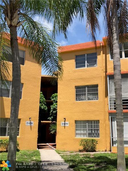 4394 NW 9th Avenue 22-3D, Deerfield Beach, FL 33064 (#F10146276) :: The Haigh Group | Keller Williams Realty