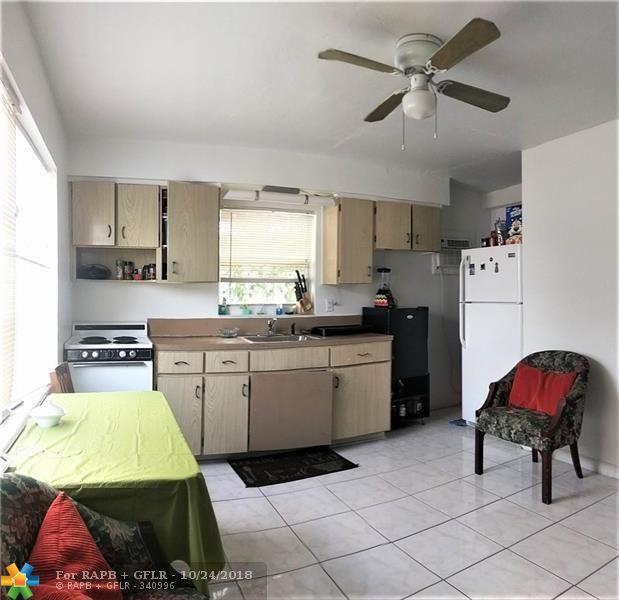824 S 20th Ave, Hollywood, FL 33020 (MLS #F10146821) :: Green Realty Properties