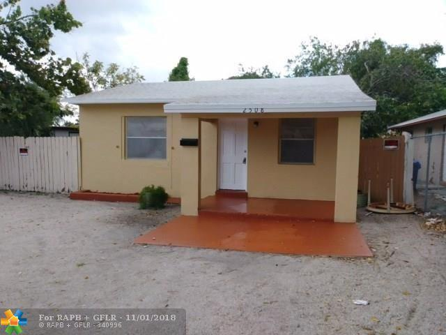 2508 NW 9th Pl, Fort Lauderdale, FL 33311 (MLS #F10148101) :: Green Realty Properties