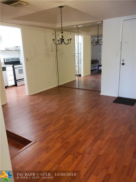 3680 Inverrary Dr 3V, Lauderhill, FL 33319 (MLS #F10148643) :: Green Realty Properties
