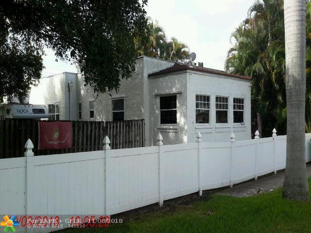 214 SE Park St, Dania Beach, FL 33004 (MLS #F10149300) :: Green Realty Properties