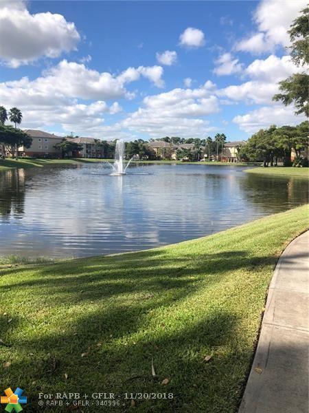 4191 N Haverhill Rd #403, West Palm Beach, FL 33417 (MLS #F10150922) :: Green Realty Properties