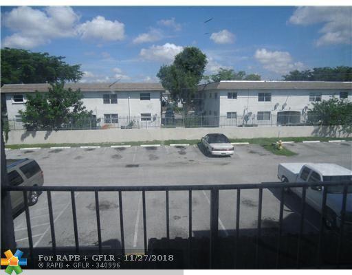 1790 NW 55th Ave 3-203, Lauderhill, FL 33313 (MLS #F10151537) :: Green Realty Properties