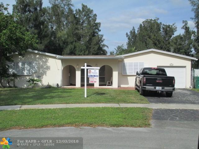 8951 SW 51st Pl, Cooper City, FL 33328 (MLS #F10152373) :: United Realty Group
