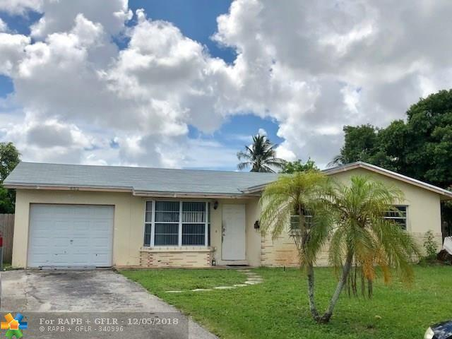 862 SW 68th Ave, North Lauderdale, FL 33068 (MLS #F10152439) :: Green Realty Properties