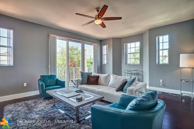 2725 NE 8th Ave #101, Wilton Manors, FL 33334 (MLS #F10152494) :: Green Realty Properties