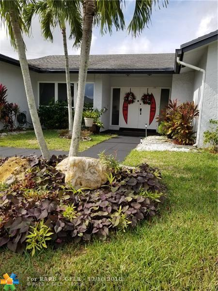 4807 Holly Dr, Tamarac, FL 33319 (MLS #F10152908) :: Green Realty Properties