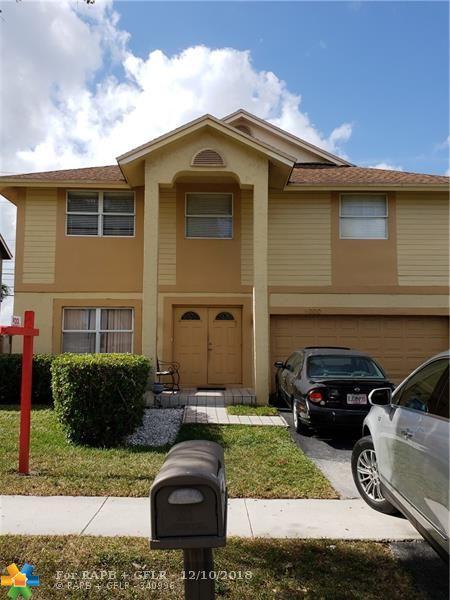 1000 SW 100, Pembroke Pines, FL 33025 (MLS #F10153374) :: United Realty Group