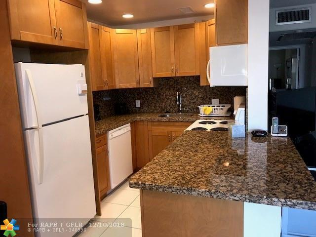 370 Markham Q #370, Deerfield Beach, FL 33442 (MLS #F10153470) :: Castelli Real Estate Services