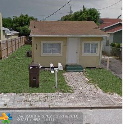 964 W Lakewood Rd, West Palm Beach, FL 33405 (MLS #F10154008) :: Green Realty Properties