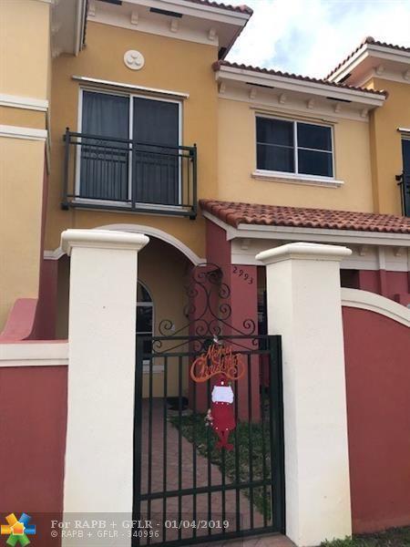 2993 NW 35th Ter #2993, Lauderdale Lakes, FL 33311 (MLS #F10156137) :: Berkshire Hathaway HomeServices EWM Realty