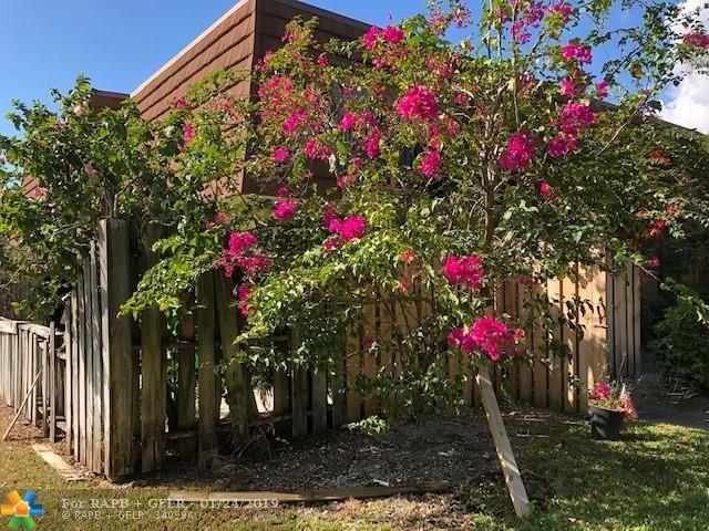 9446 NW 48th St, Sunrise, FL 33351 (MLS #F10159422) :: Green Realty Properties