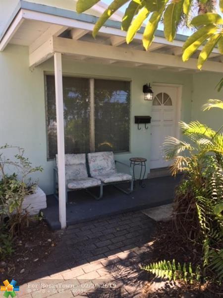4764 NE 15th Way, Oakland Park, FL 33334 (MLS #F10163573) :: Castelli Real Estate Services