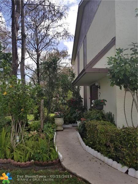 609 NW 47th St #609, Pompano Beach, FL 33064 (MLS #F10163686) :: Berkshire Hathaway HomeServices EWM Realty