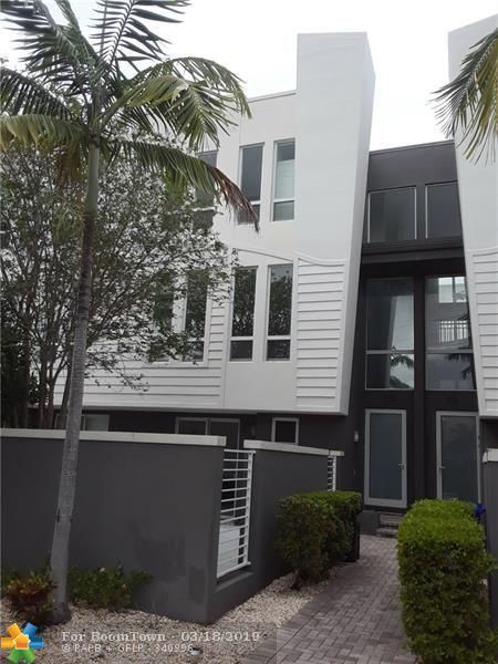 703 SE 16th Ct, Fort Lauderdale, FL 33316 (MLS #F10167535) :: EWM Realty International