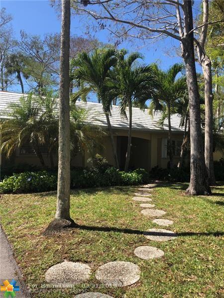 1033 E Cypress Dr #1033, Pompano Beach, FL 33069 (MLS #F10167996) :: EWM Realty International