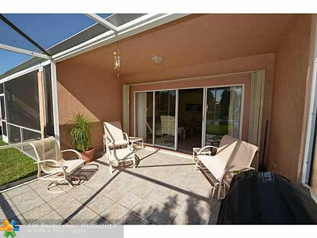8542 Via Serena #8542, Boca Raton, FL 33433 (MLS #F10168563) :: EWM Realty International