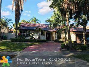 8425 NW 165th Ter, Miami Lakes, FL 33016 (MLS #F10171121) :: The O'Flaherty Team