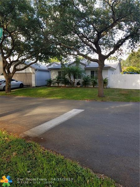 1412 NW 47th Ter, Coconut Creek, FL 33063 (MLS #F10172675) :: The Edge Group at Keller Williams
