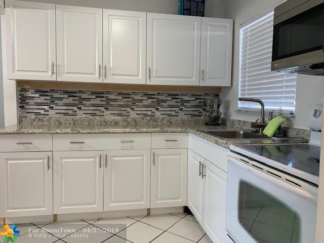 8350 Sunrise Lakes Blvd #307, Sunrise, FL 33322 (MLS #F10173573) :: Green Realty Properties