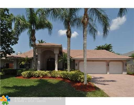 361 NW 110th Ave, Plantation, FL 33324 (MLS #F10174134) :: United Realty Group