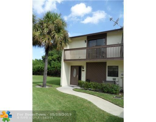 825 NW 47th St, Deerfield Beach, FL 33064 (MLS #F10176331) :: Berkshire Hathaway HomeServices EWM Realty