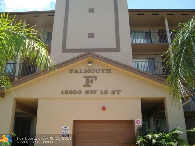 12650 SW 15th St 207F, Pembroke Pines, FL 33027 (MLS #F10176883) :: The O'Flaherty Team